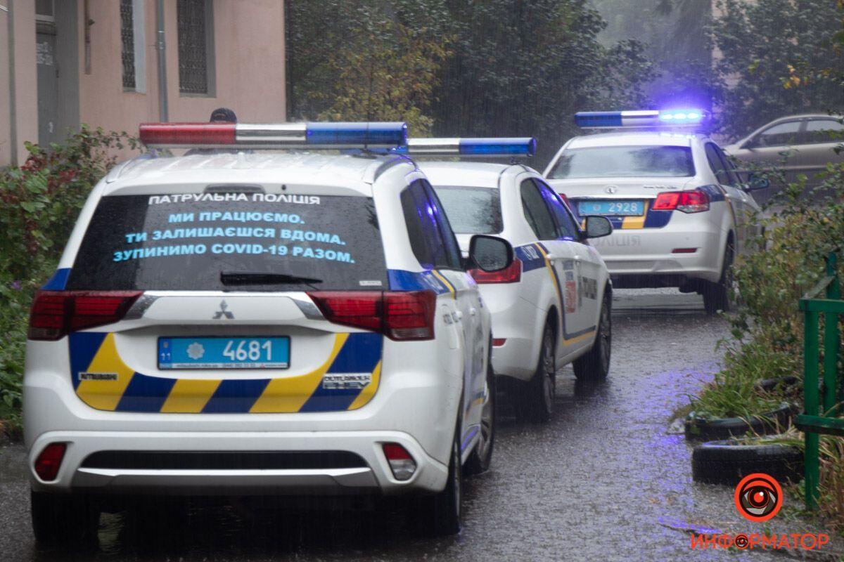 В Днепре 18-летняя девушка выпала из окна пятого этажа