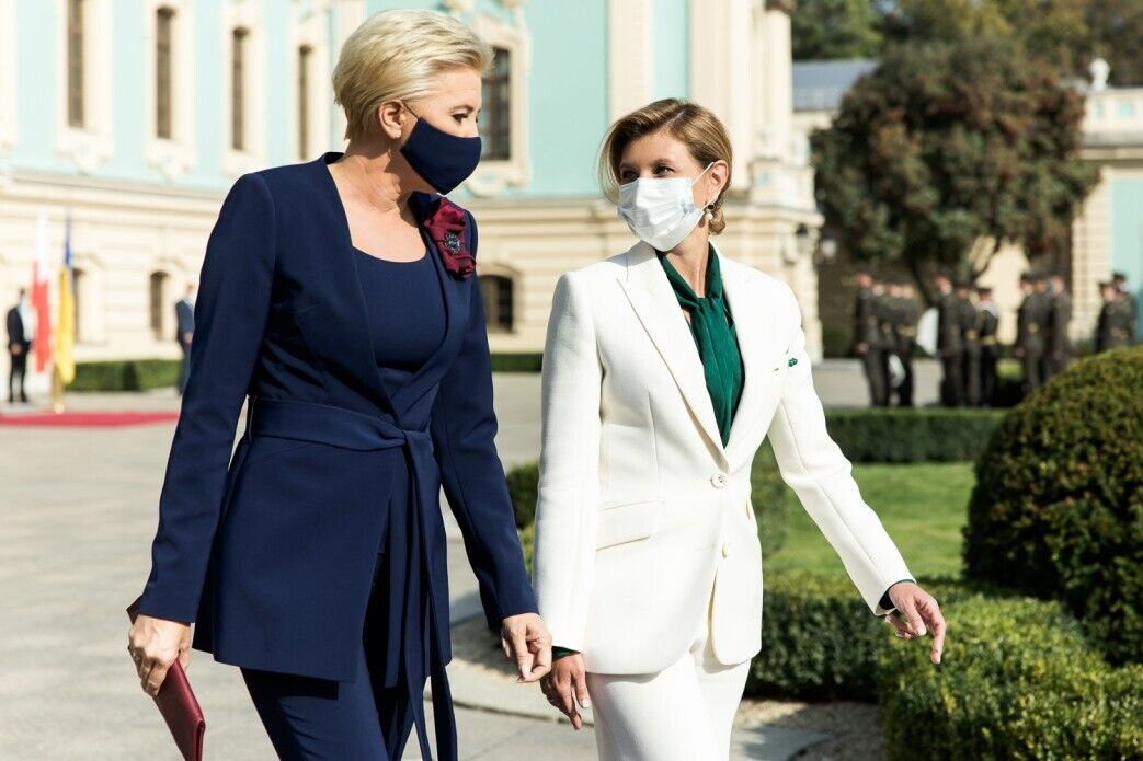 Агата Дуда обрала для зустрічі синій костюм.
