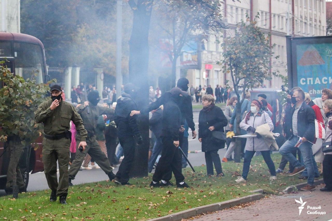 Силовики применили на марше пенсионеров слезоточивый газ.