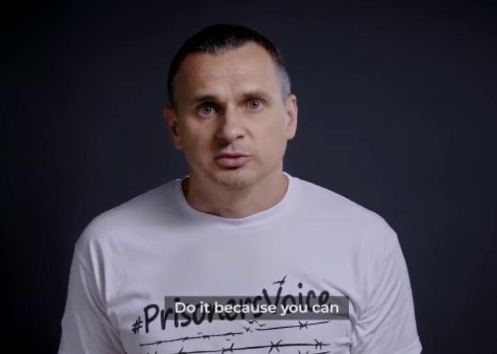 Сенцов снялся в видео в поддержку узников Кремля.