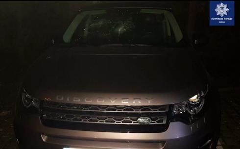 Еременко побил кирпичом авто.