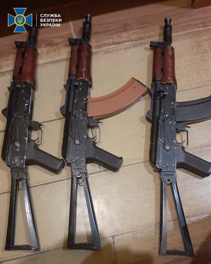 Злоумышленники продавали оружие