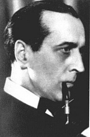 Артур Уонтнер у ролі Шерлока Холмса.