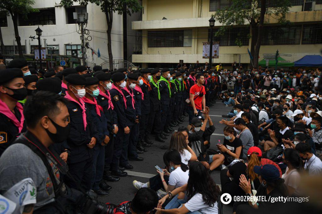 Полиция задержала десятки человек, в том числе лидеров протестов