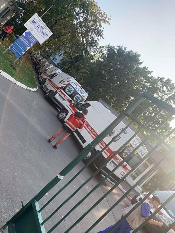 У Києві зняли величезну чергу швидких.