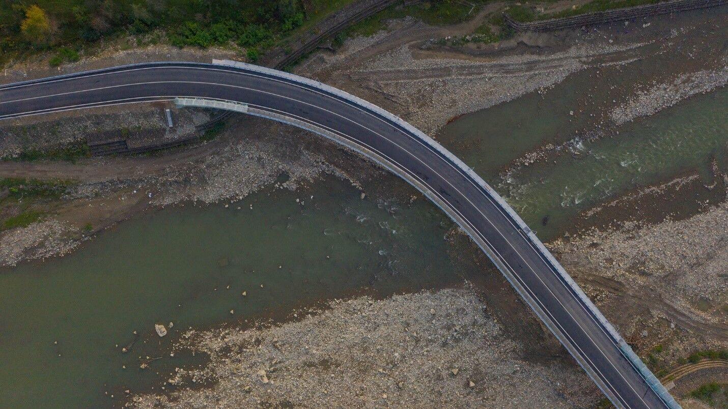 В Черновицкой области обновили дорогу с двумя мостами через Черемош