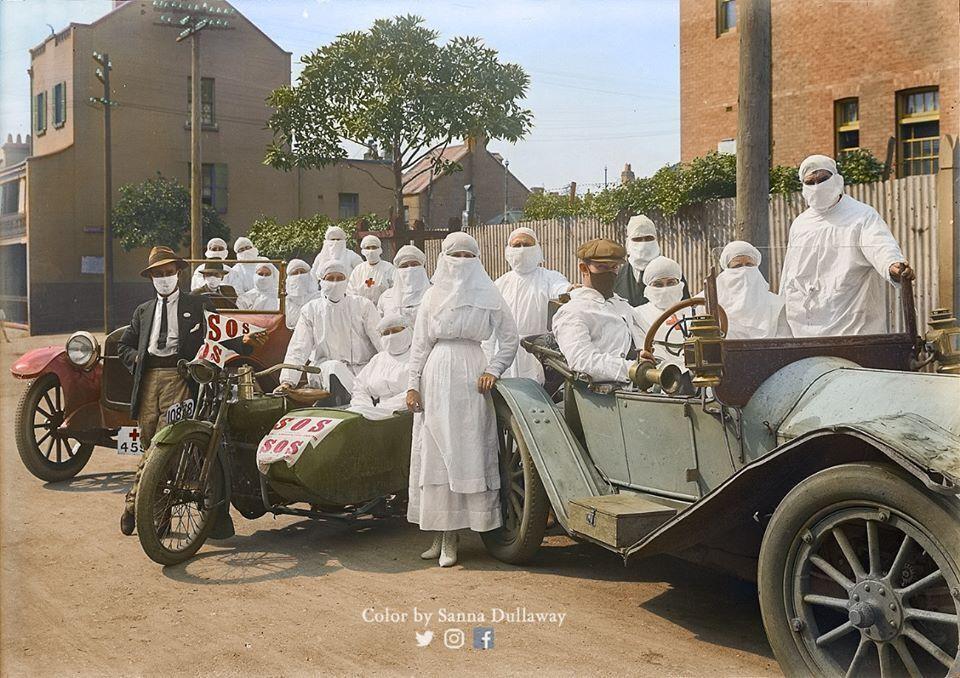 """Австралийские медсестры готовы бороться с """"испанкой"""" на Райли-стрит в районе Сарри-Гиллз штата Новый Южный Уэльс (Австралия), апрель 1919 года"""