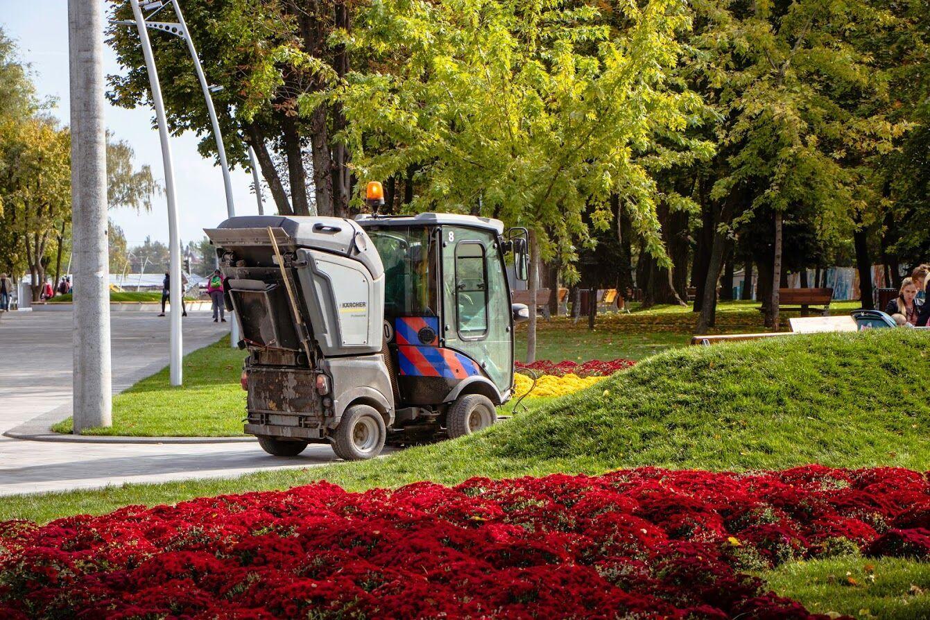 В парке им. Писаржевского в Днепре закончили капитальный ремонт центральной аллеи