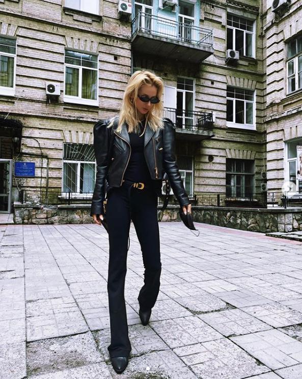 Лобода раптово приїхала до Києва.