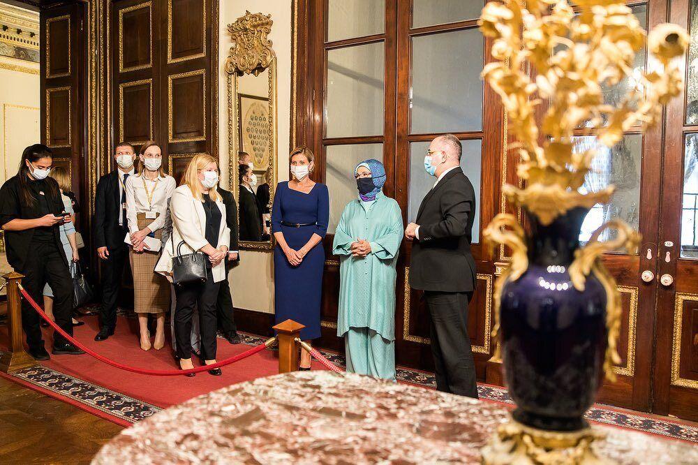 Олена Зеленська зустрілася з першою леді Туреччини.
