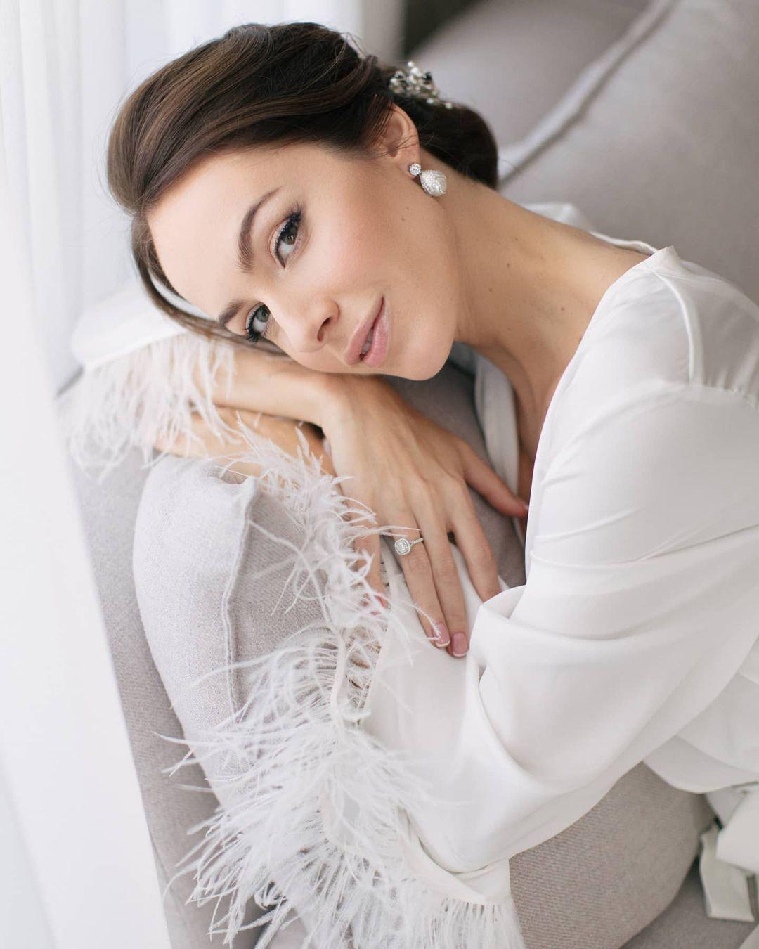 Образ Кристины Горняк на свадьбе.