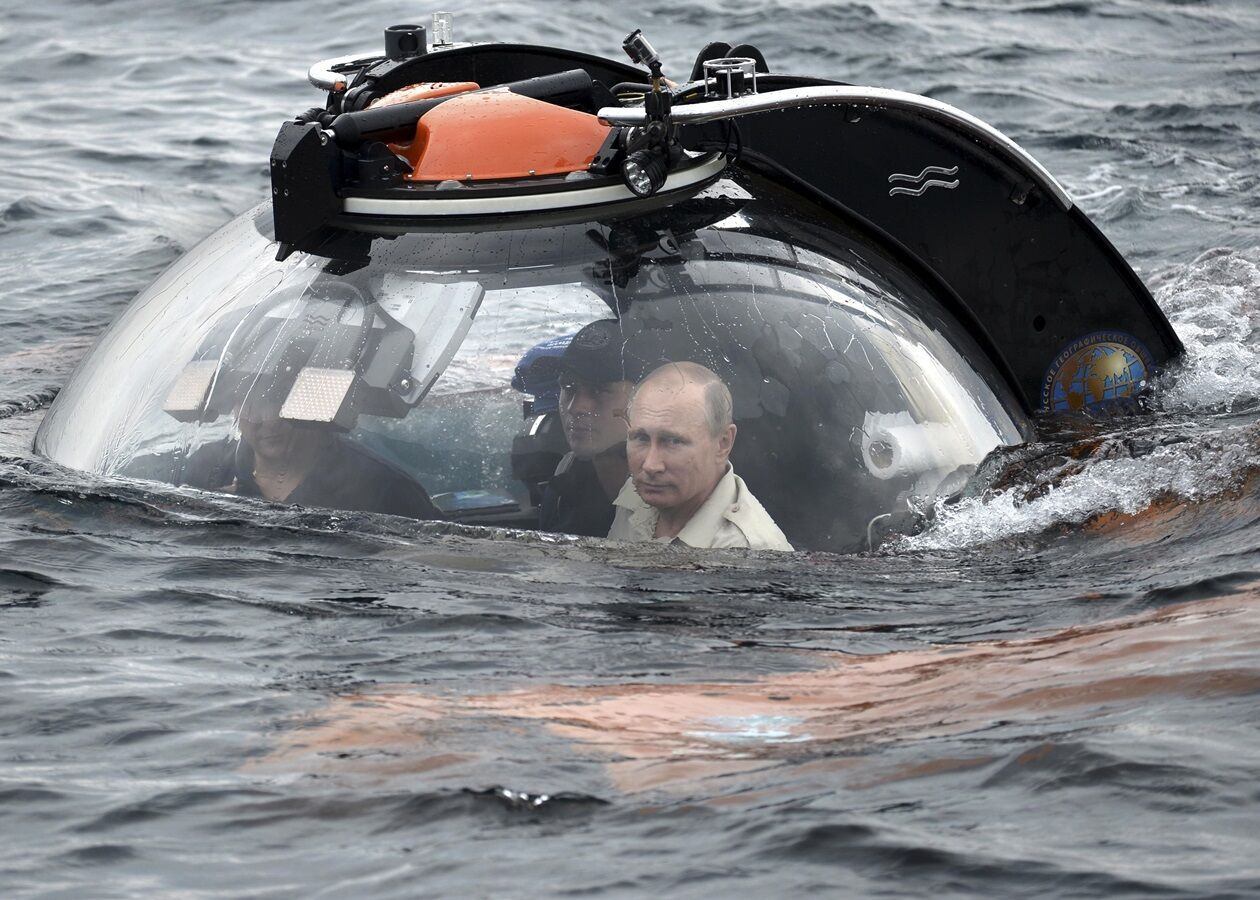 Погружения Путина на батискафе в Крыму