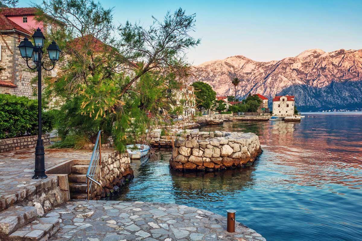 Албания разрешила путешествовать украинским туристам во время пандемии коронавируса без ограничений.