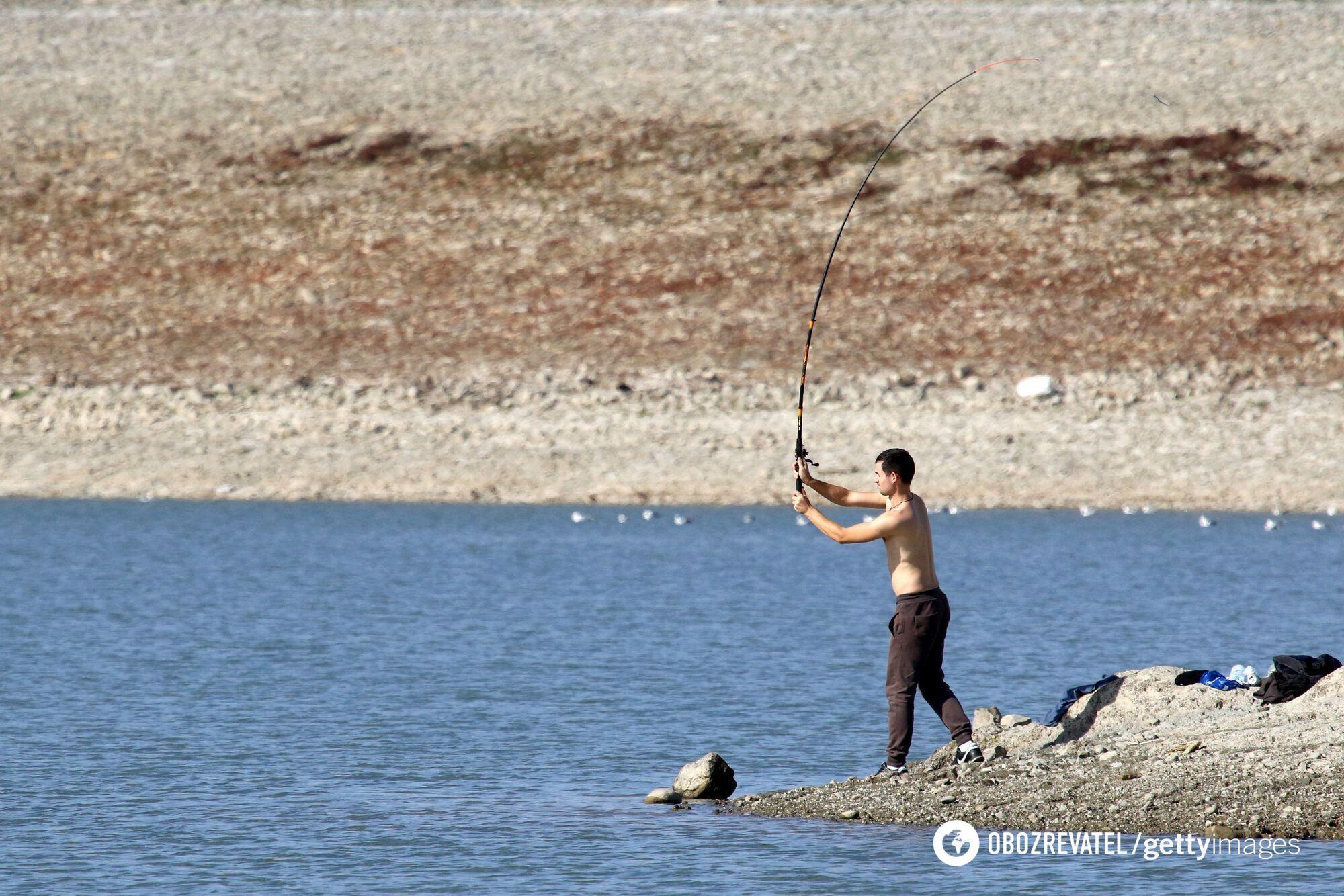 В Симферополь дополнительно подвезут воду
