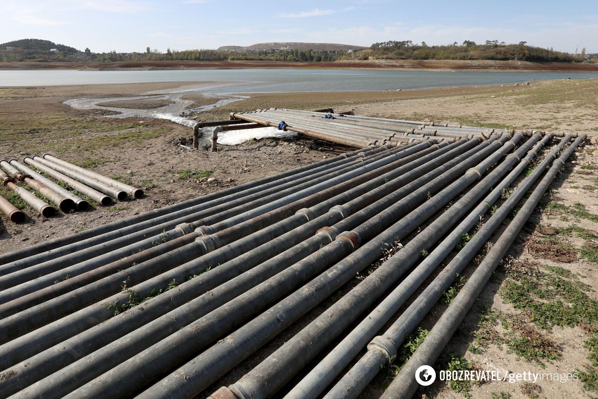 Воду транспортируют в Симферопольское водохранилище, которое выходит из строя из-за засухи