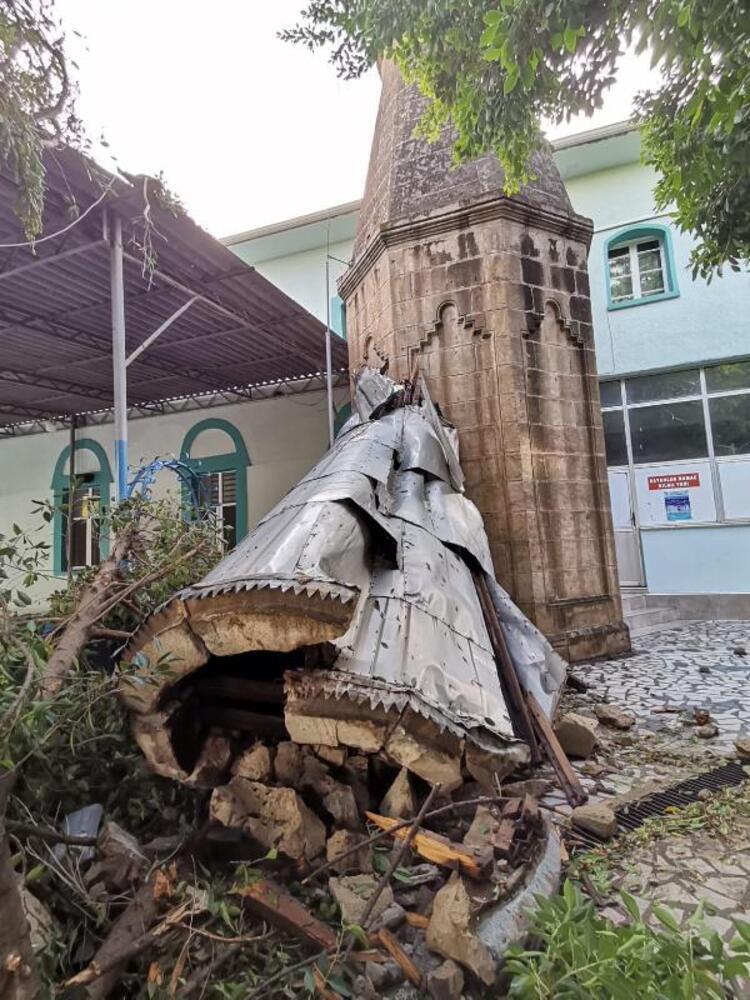 Ураган у Туреччині завдав серйозних руйнувань.
