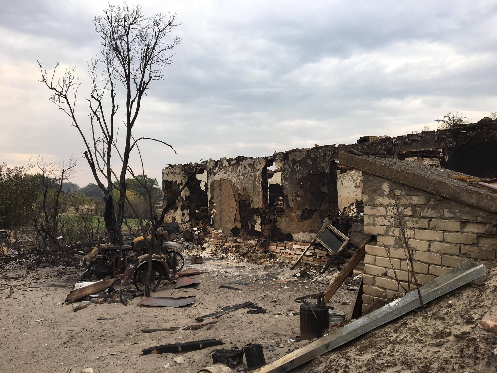Разрушения в поселке.