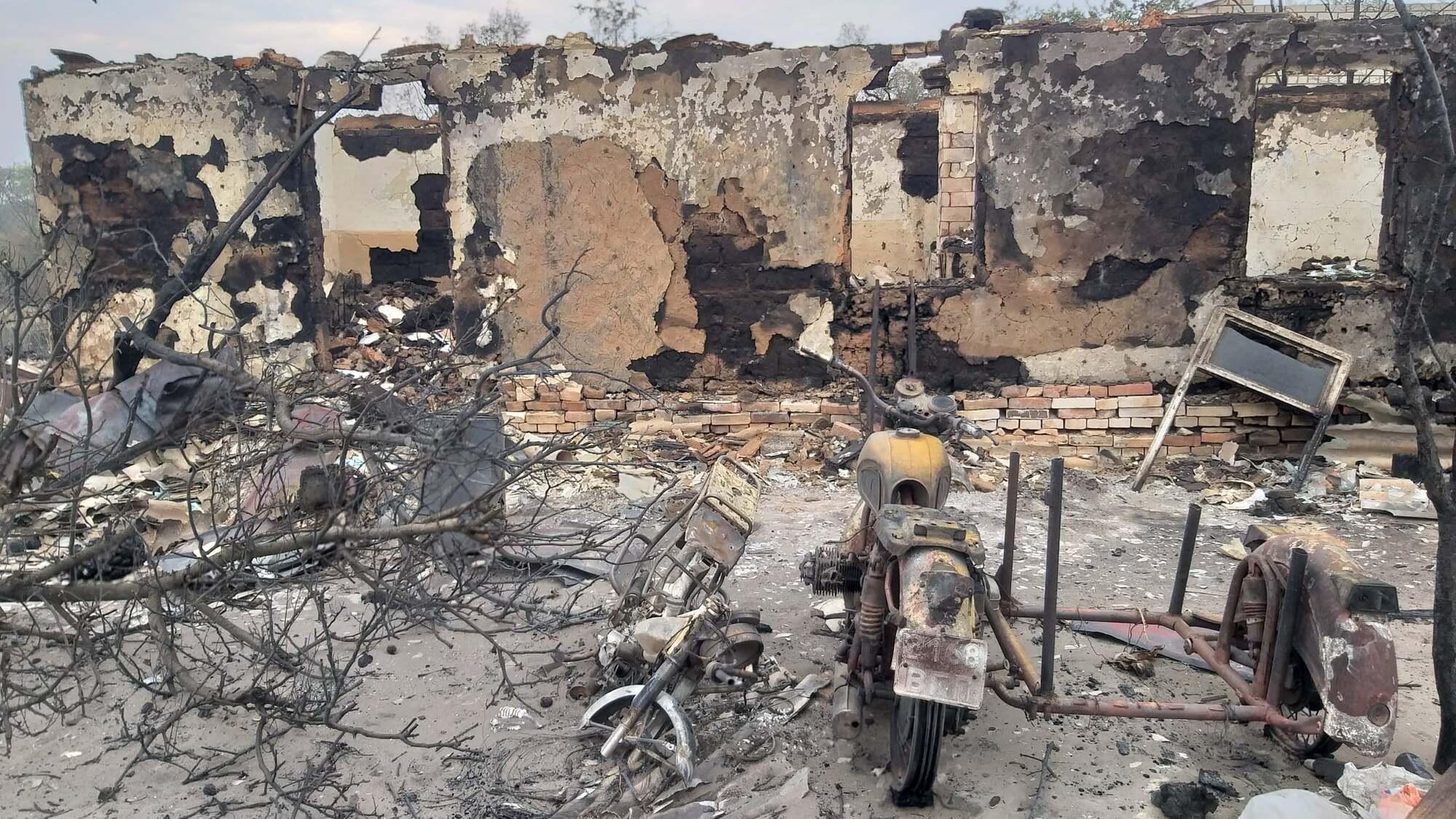 Сгоревший дом в Сиротино.