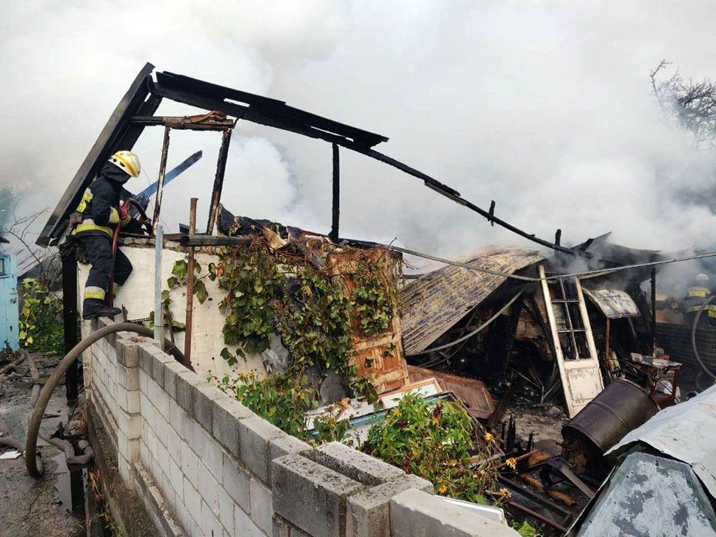 В Днепре во время крупного пожара погибла 81-летняя женщина