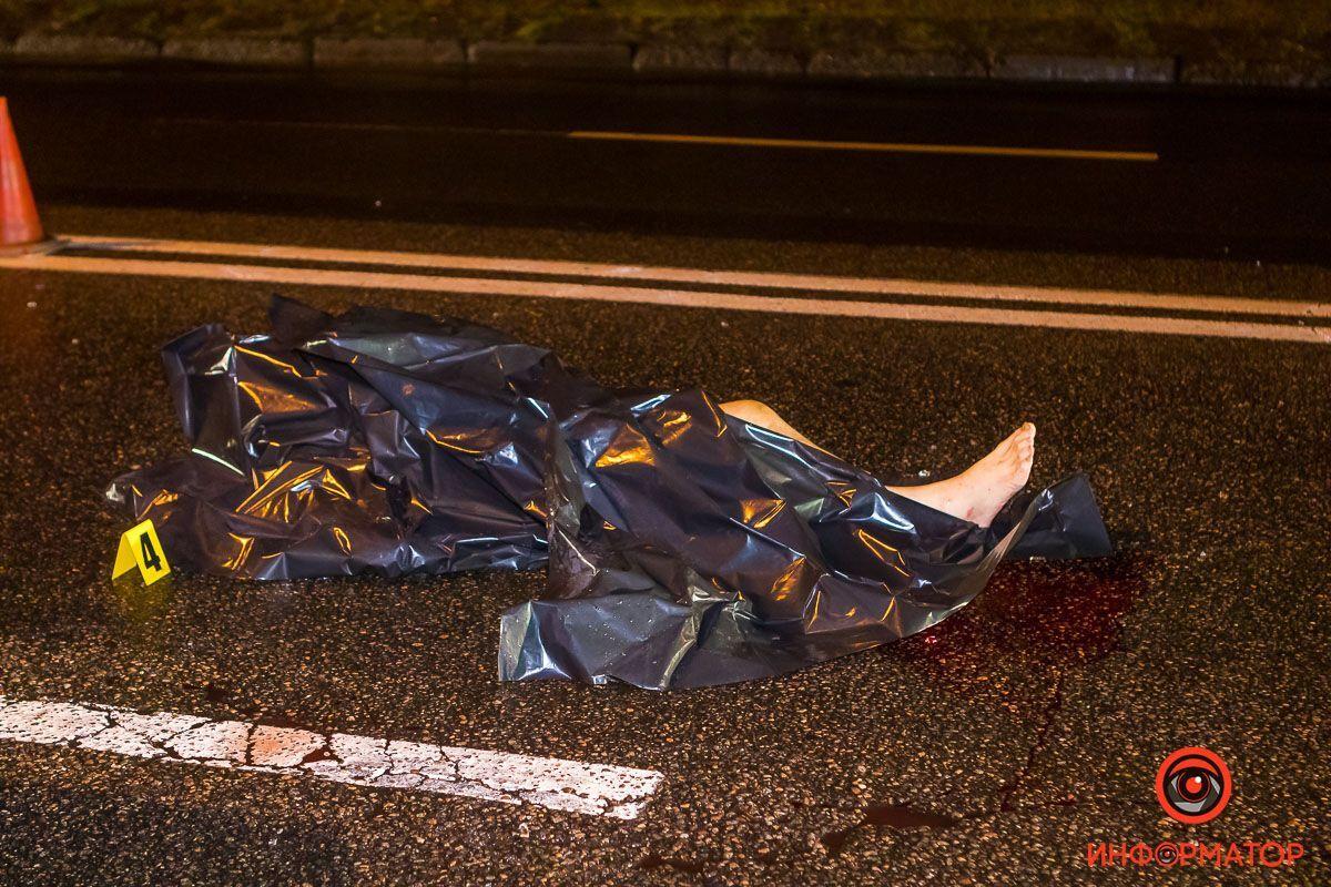 В Днепре автомобиль сбил насмерть пожилого мужчину