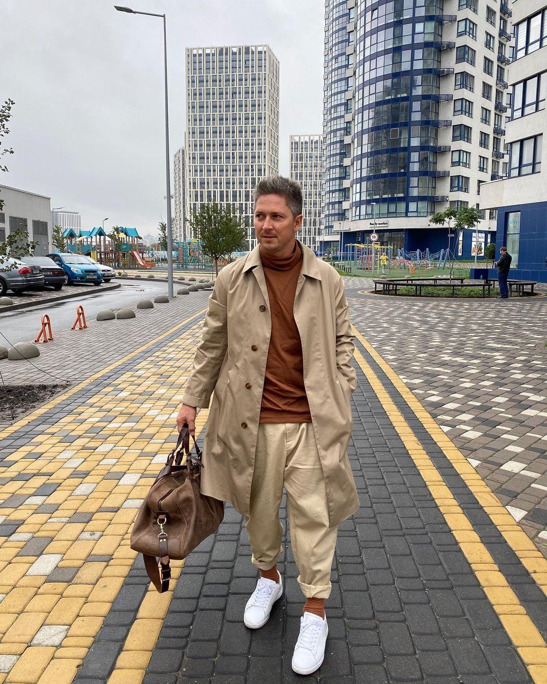 Популярный шоумен поделился содержимым сумки настоящего мужчины