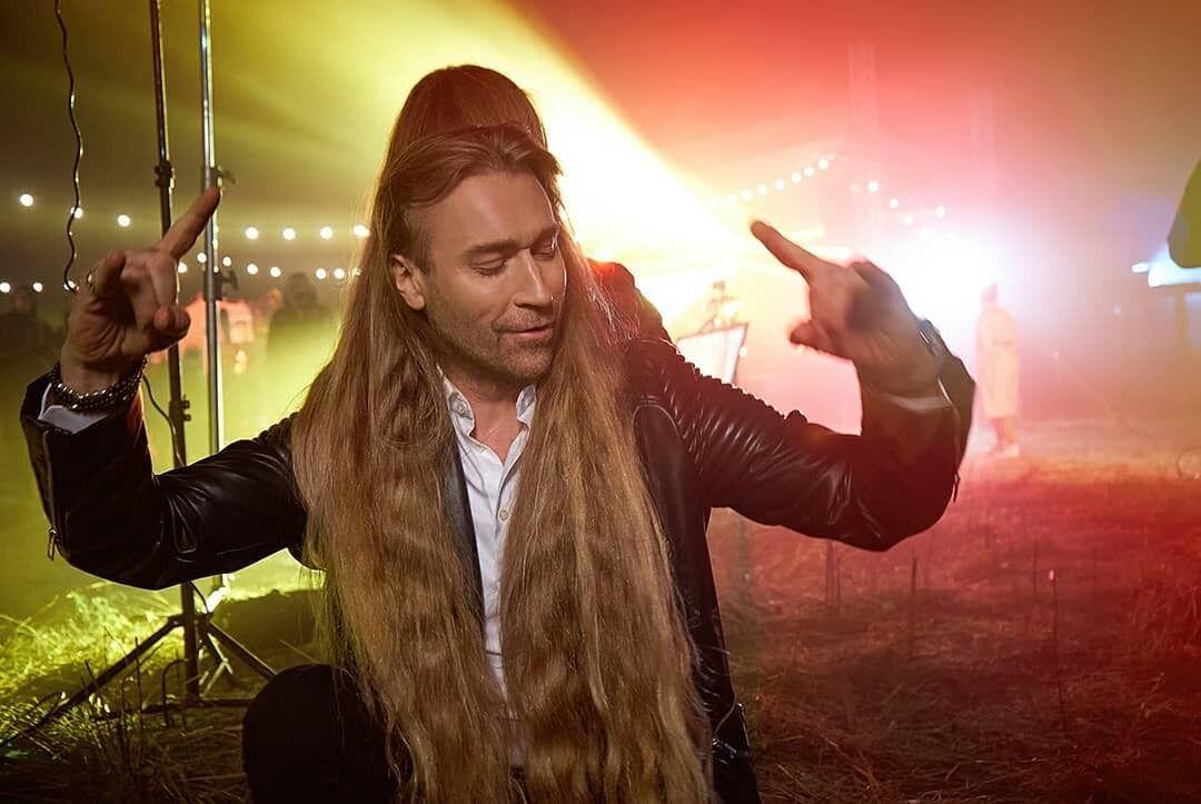 """Винник """"примерял"""" длинные волосы."""