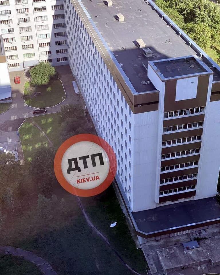 Мужчина выпрыгнул из окна больницы в Киеве