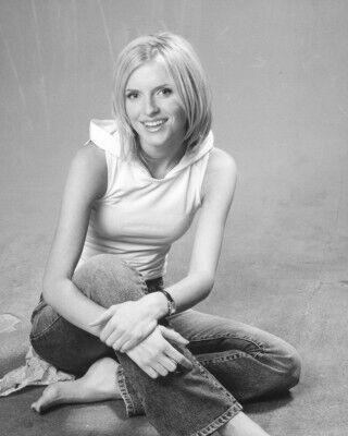 Телеведуча Ольга Бура загинула 29 травня 2004 року о 00:55 ночі на трасі Київ – Суми