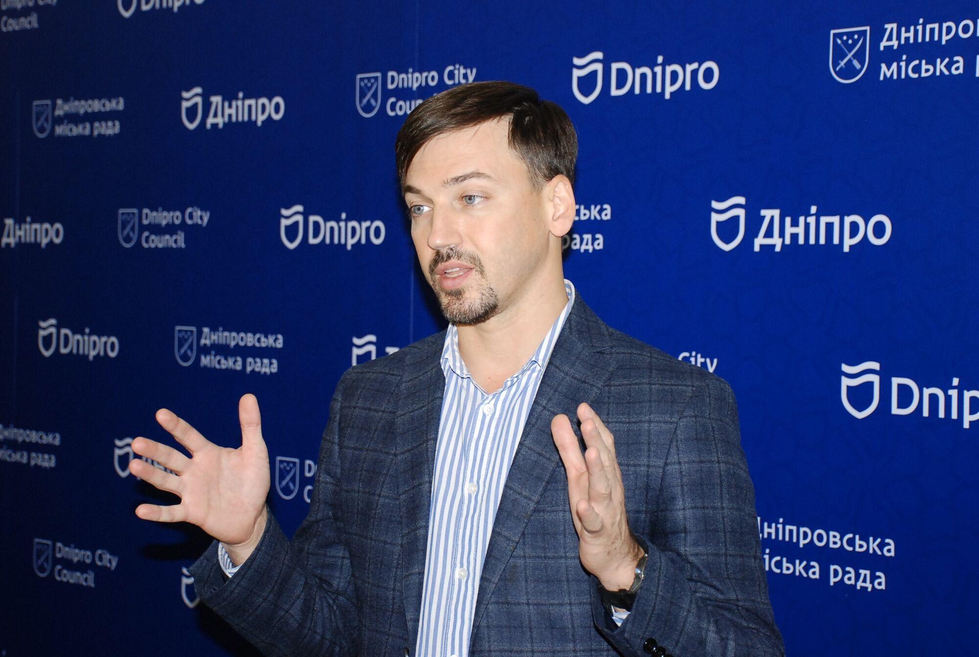 Артем Хмельников рассказал о подписании договора