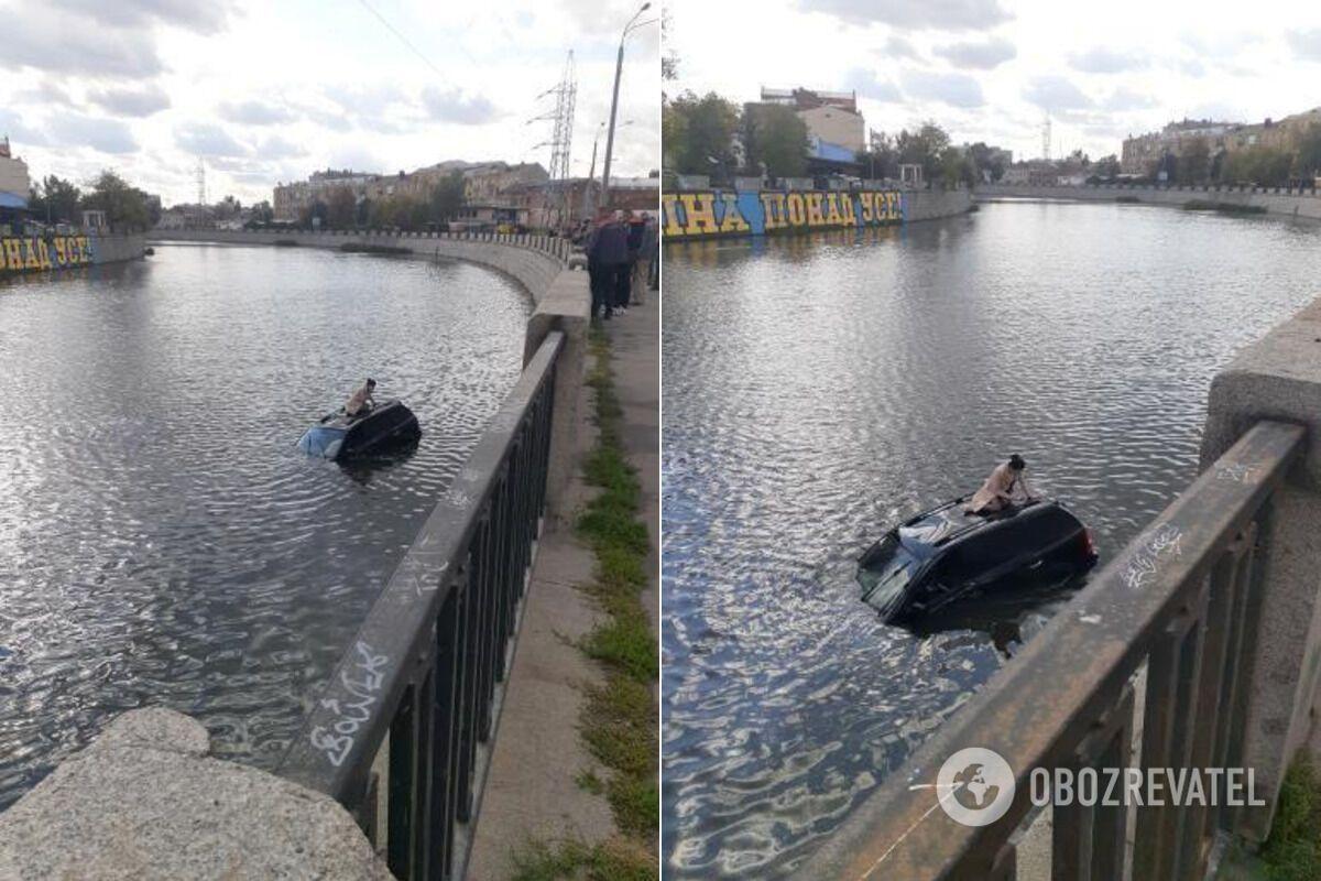 У результаті ДТП авто KIA опинилося у воді, а його водійка змогла вибратися