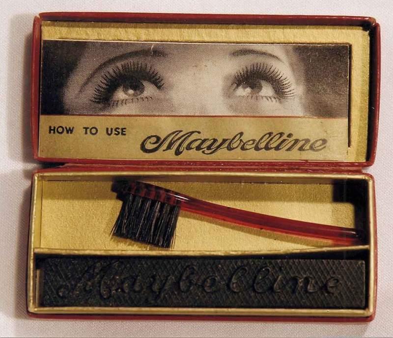 Перша компактна туш для вій від Maybelline, 1917 рік
