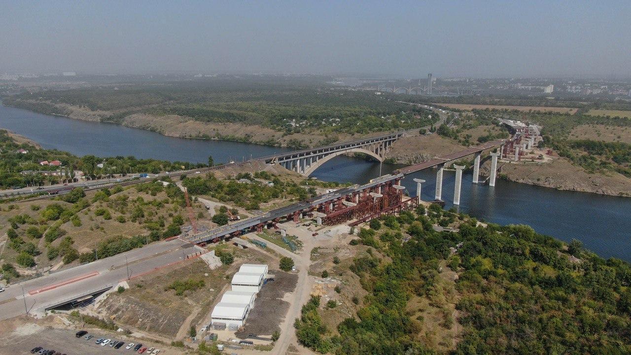 В Запорожье рассказали, когда откроют мост-долгострой