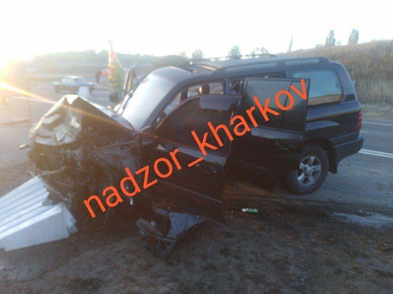 Розбитий Toyota Land Cruiser