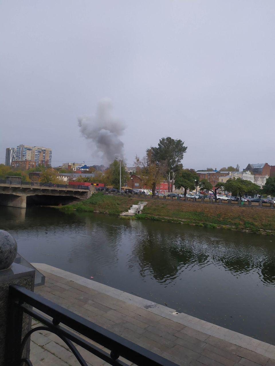 Дым от пожара был виден из других районов города
