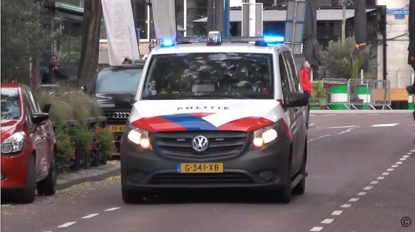 Volkswagen Vito – поліцейський Mercedes Vito з логотипом VW