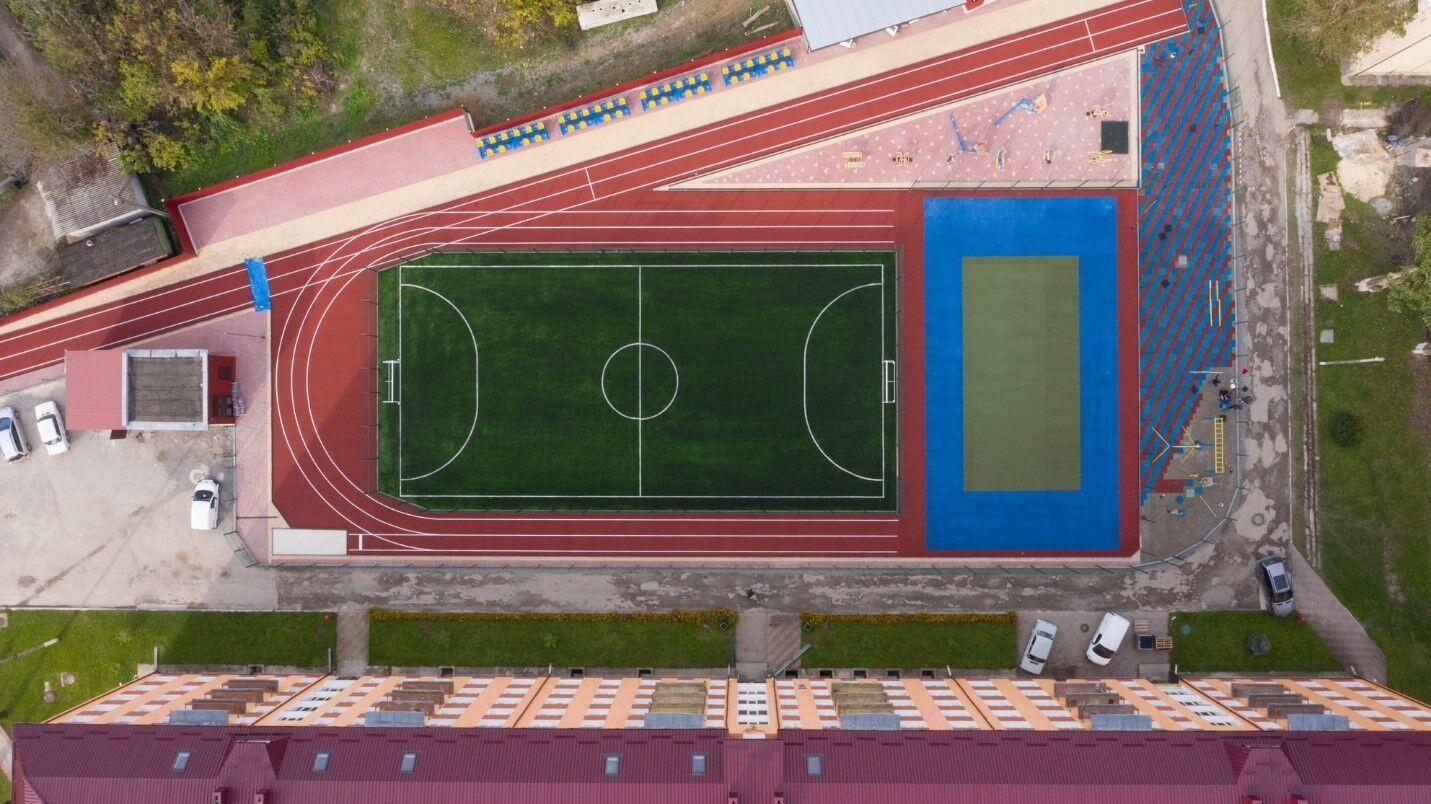В Чорткове завершают реконструкцию стадиона
