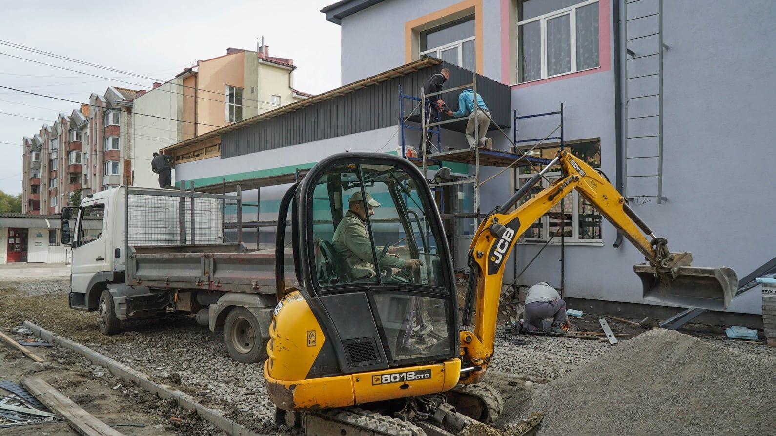 В с. Трибуховцы проводят реконструкцию корпуса школы
