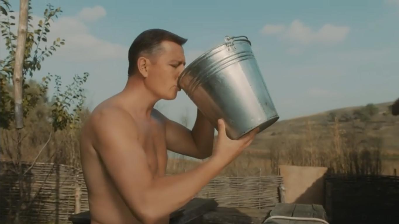 Олег Ляшко показав голий торс