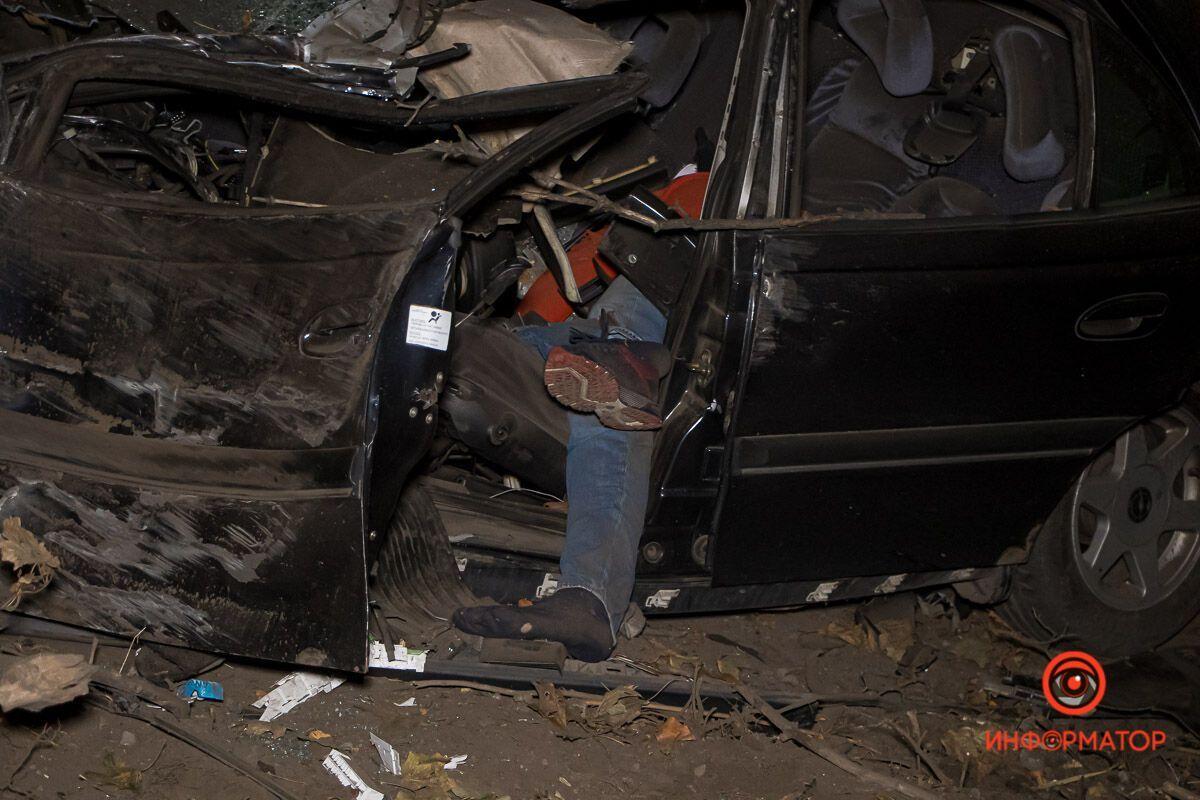Водитель погиб на месте.