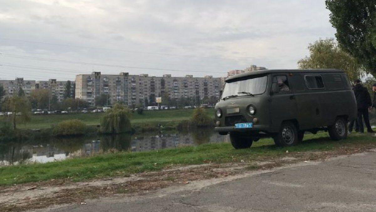 Тіло жінки знайдено недалеко від берега озера