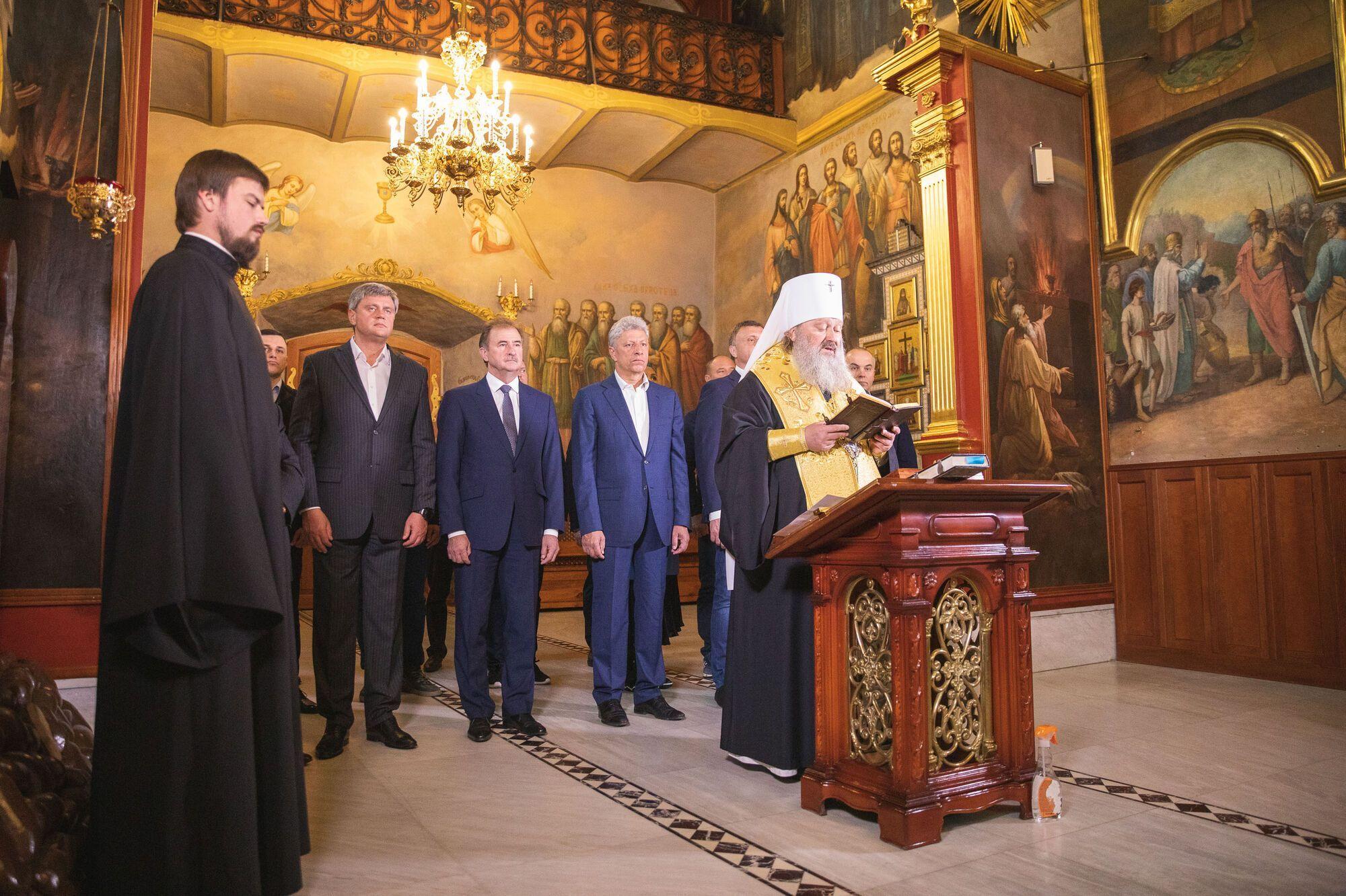В День тишины оппозиционеры молились в Киево-Печерской лавре за мир и благополучие Украины