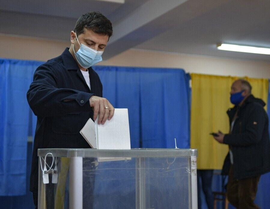 Владимир Зеленский на избирательном участке