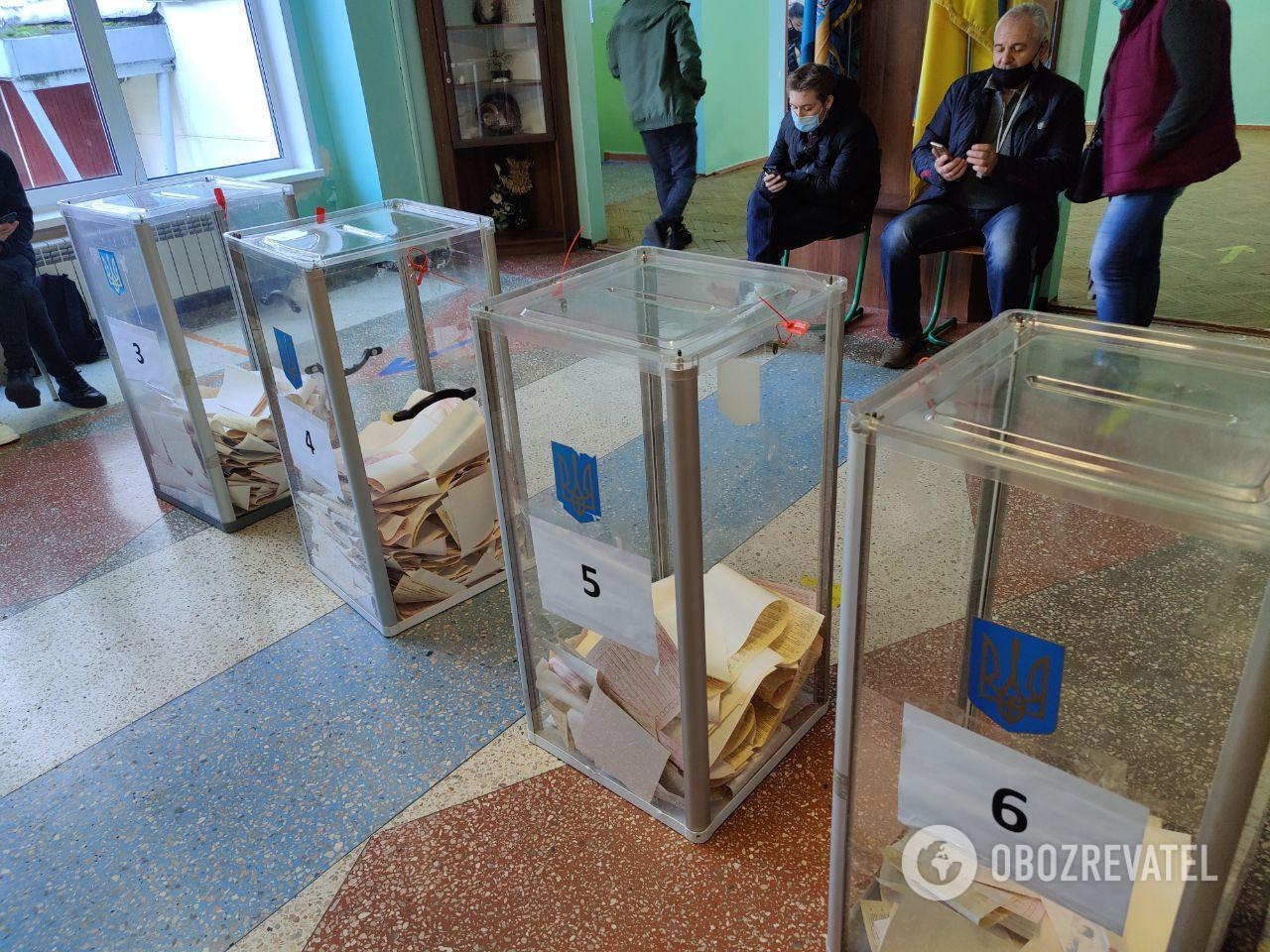 Явка на виборах станом на 12:00 становила 13,5%