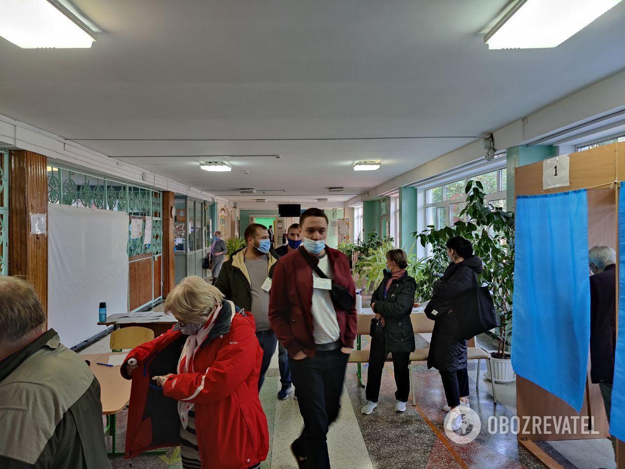 Зараз громадяни голосують переважно спокійно