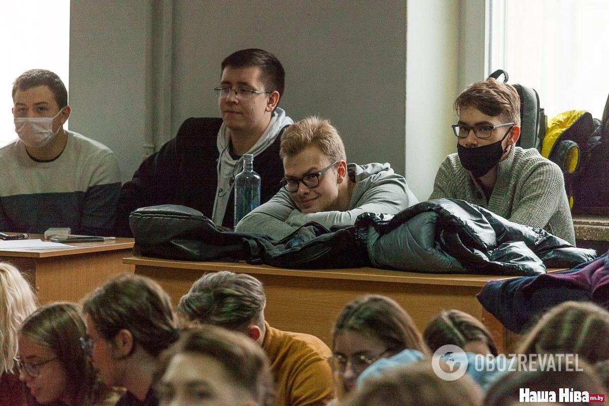 К страйку присоединилось около 100 студентов