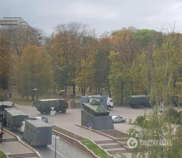 Техника ОМОна в Минске