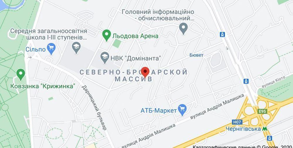 "Грабители проникли в квартиру неподалеку от станции метро ""Черниговская""."