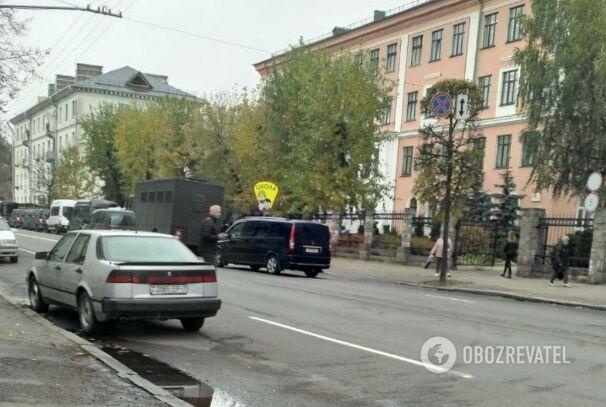 Очевидцы сообщили, что силовики задержали минских школьников