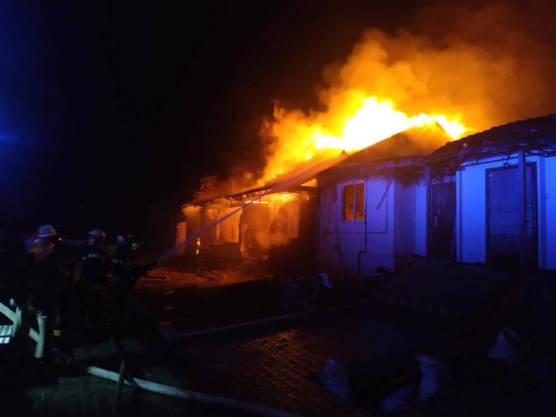 Спасатели ликвидировали пожар за несколько часов.