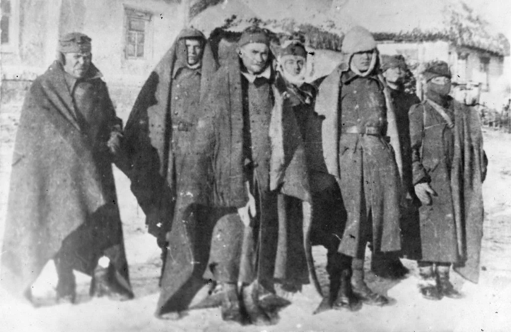 Группа пленных гитлеровцев. Украина, январь 1944 года